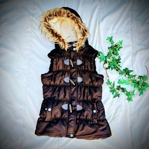 Toggle Puffer Hooded Vest with Faux Fur Trim